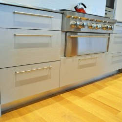 slide in range, stove, Wolf, glazing, rift oak, blue, grey, double drawers, cooking, stainless steel countertop