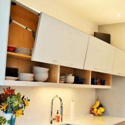 Bendheim glass, up-lift doors, bi-fold, horizontal, linear, clean